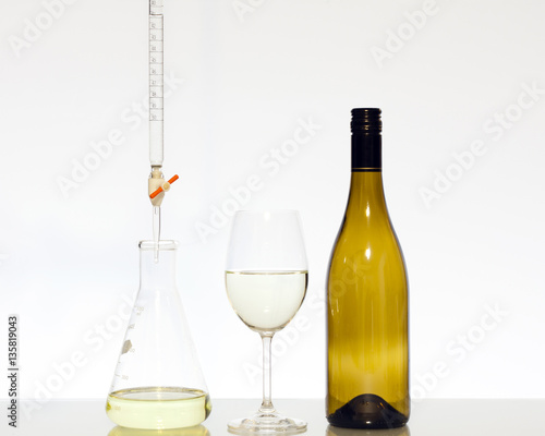Food science titration of wine Canvas-taulu