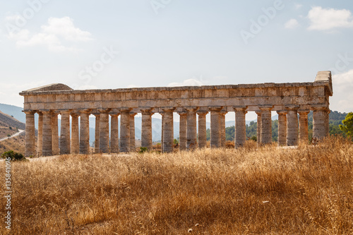 Valokuva  Ruins of the Greek temple in the ancient city of Segesta, Sicily