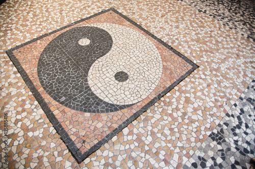 Plakat Yin Yang Mozaika Na Podłodze