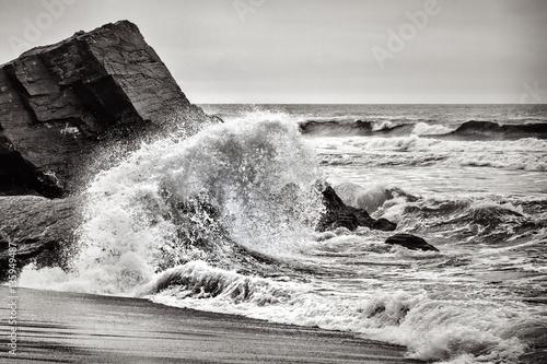 Crashing Wave, Black and White