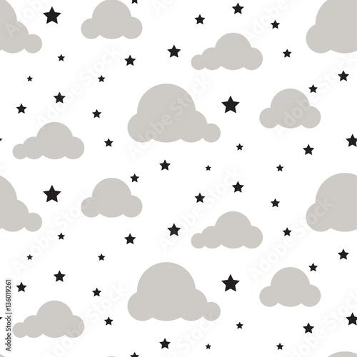 powtarzajacy-sie-wzor-z-chmurkami-i-gwiazdami