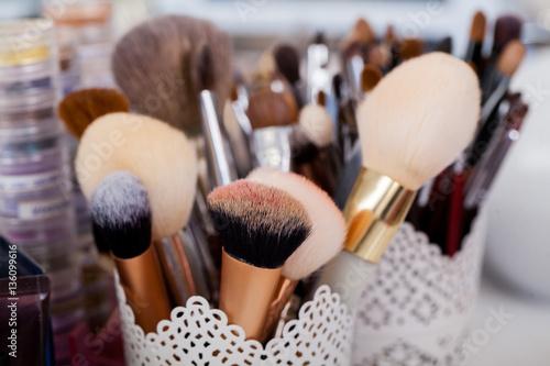 Fototapeta sets makeup brush for professional makeup artist obraz na płótnie