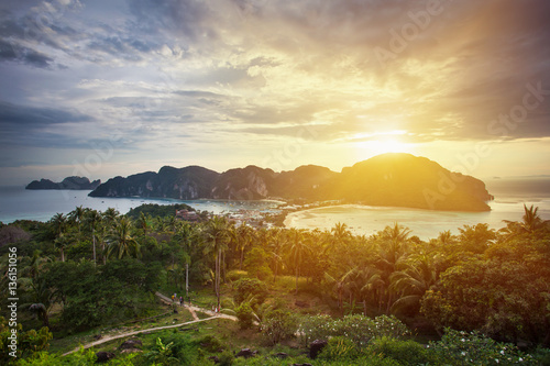 Платно Amazing view of the Phi Phi Don island from the mountain