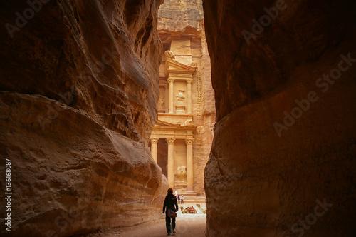 Obraz na plátně A view of the Treasury from the Siq at Petra, Jordan