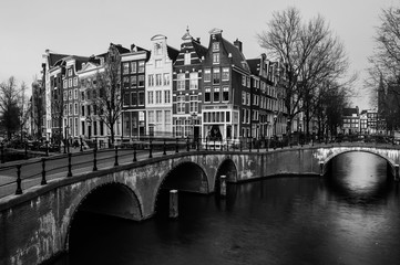 Fototapeta Mosty Amsterdam, Netherlands canals and bridges