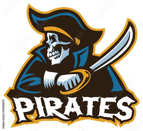 Plakat pirat czaszki z mieczem