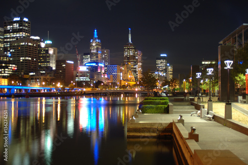 Poster Melbourne city skyline with the Yarra river in the foreground, Victoria, Australia