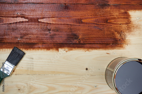 Do It Yourself Staining Wooden Table Kaufen Sie Dieses Foto Und