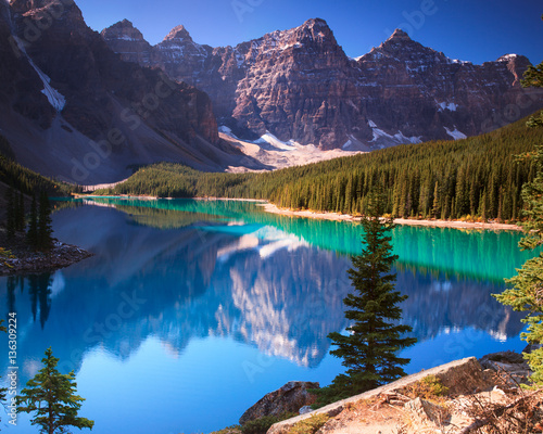 Moraine Lake Banff Alberta