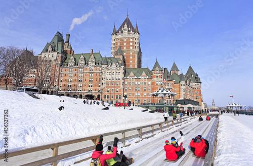 Fototapeta premium Quebec City zimą, tradycyjne zejście ze zjeżdżalni, Kanada