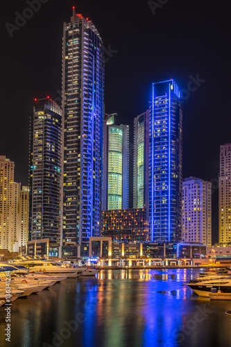 Fototapety, obrazy: Dubai marina in the UAE