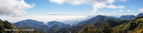 Foto auf Gartenposter Gebirge panoramic view of mountain view landscape and sea of mist with blue sky