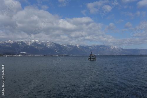 琵琶湖と雪景色