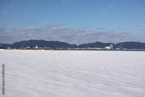Fotografie, Obraz  境港市の雪原となった砂浜