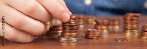 Person zählt Geld Fototapet