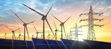 Konzept - Energiequelle Wind Und Solar Mit Stromleitungen