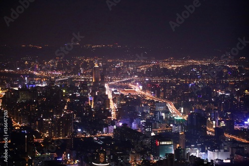 Foto op Aluminium Volle maan 台北101 夜景