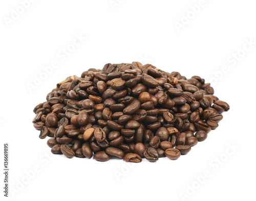 Aluminium Prints Coffee beans Pile of roasted coffee beans isolated