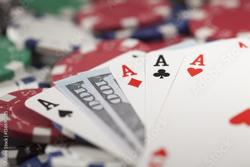 Gambling chip, money and poker плакат