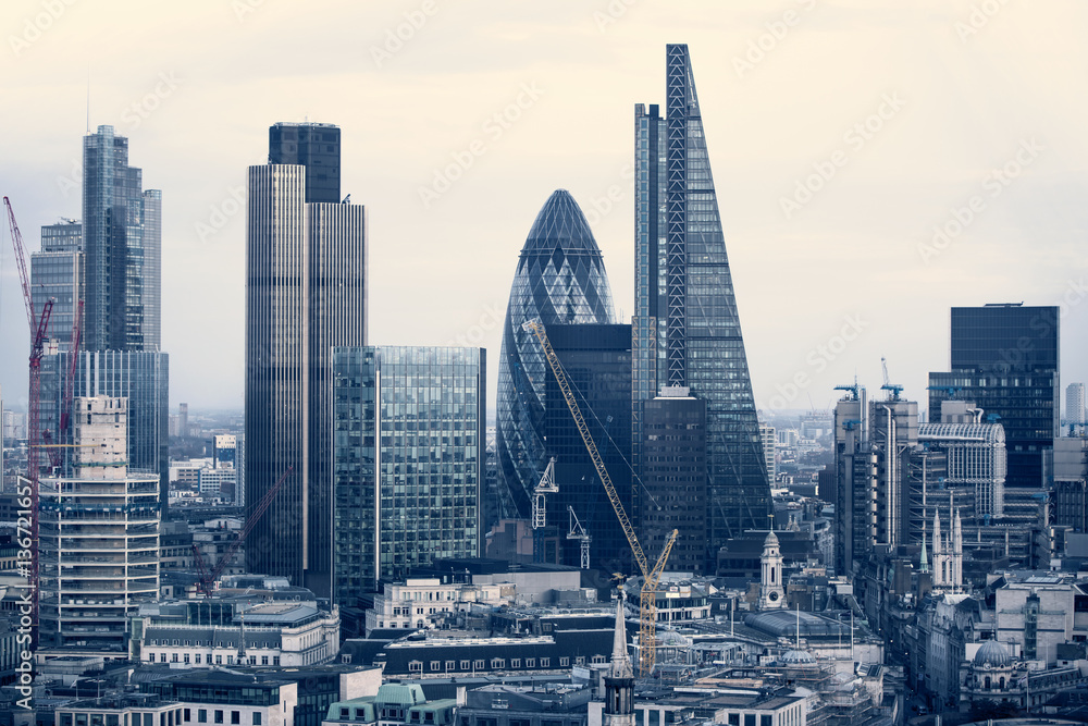 Photo  City of London business aria view at sunset