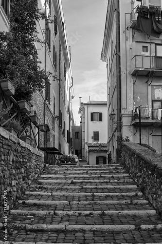 Fototapeta na wymiar Scalinata cittadina