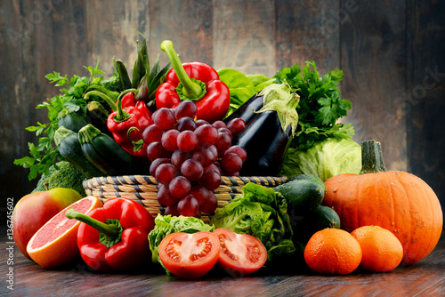 Composition with variety of fresh vegetables and fruits © monticellllo