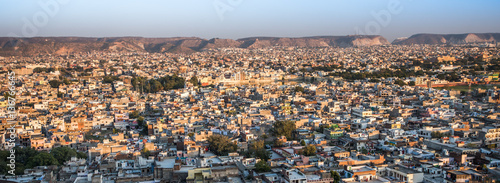 Valokuva  Jaipur bathed in golden light from the setting sun
