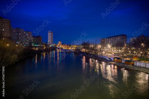 El Río Pisuerga que pasa por Valladolid Canvas Print