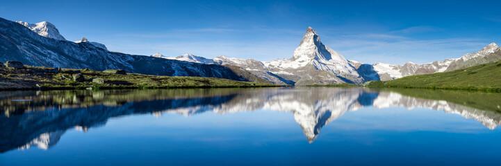 Panorama Stellisee i Matterhorn w Szwajcarii