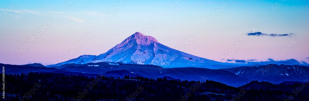 Photo  Mt Hood in the Fading Light