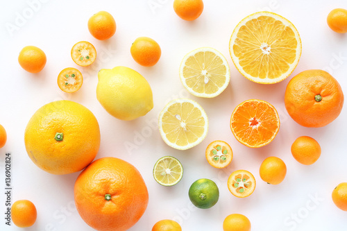 Foto op Aluminium Vruchten Various citrus fruits on white background