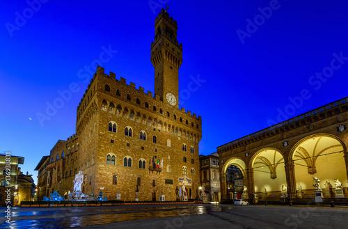Plakat Noc widok Florencja przy Palazzo Vecchio w piazza della Signoria w Florencja, Włochy