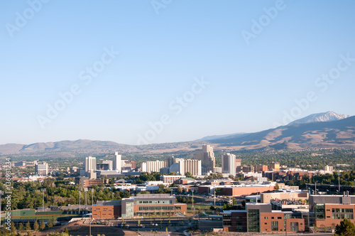 Tuinposter Las Vegas Reno Nevada Downtown Skyline