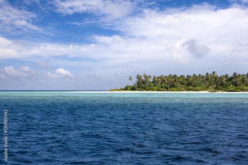 Deurstickers Tropical strand Tropical island landscape, Maldives