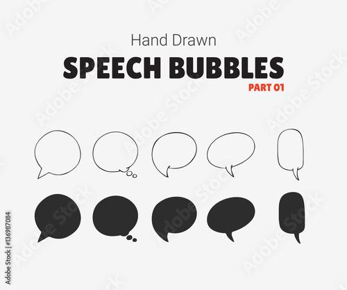 Set wektorowa mowa gulgocze z tekstem, grupa doodle mowy bubles na białym tle