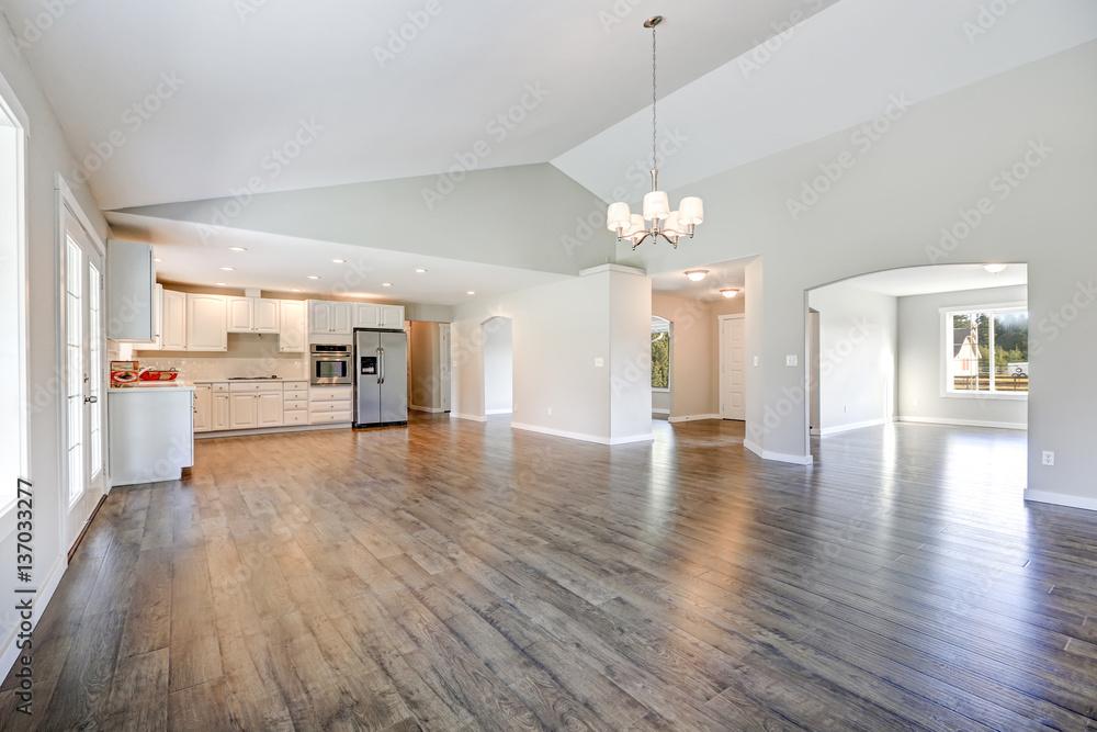 Fototapeta Spacious rambler home interior with vaulted ceiling