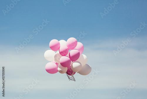 Obraz Floating balloons - fototapety do salonu