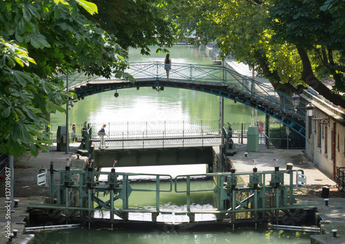 Recess Fitting Channel Rêverie parisienne