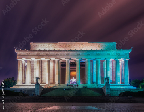 Photographie  Washington DC, United States: Abraham Lincoln Memorial at night
