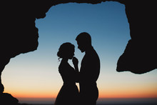 Wedding Couple At Sunset In Th...