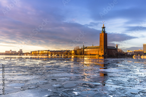 Poster Stockholm January 21, 2017: Panorama of the City Hall of Stockholm by the ice, Sweden