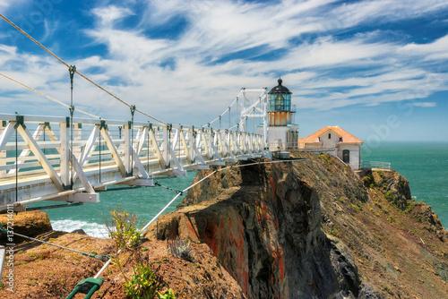 Fotografía  Point Bonita Lighthouse outside San Francisco, California.