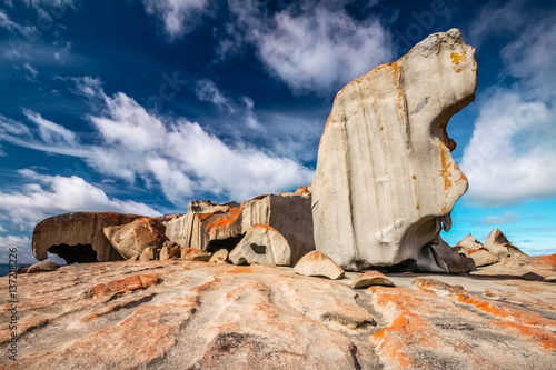 Photographie  Remarkable rocks with blue and white sky, impressive landmark on Kangaroo Island