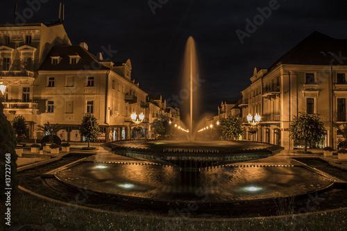 Fotobehang Volle maan Night Fountain