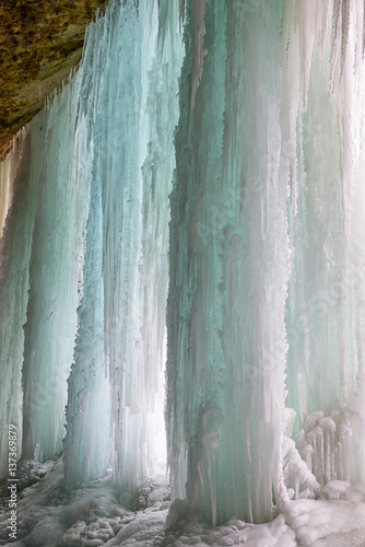 Papiers peints Forets Frozen waterfall. Icefall Siklava skala, Slovakia