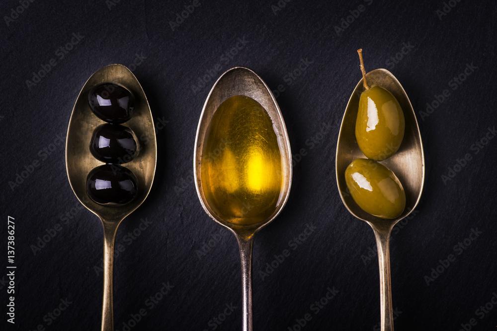 Fototapety, obrazy: olio d'oliva e olive