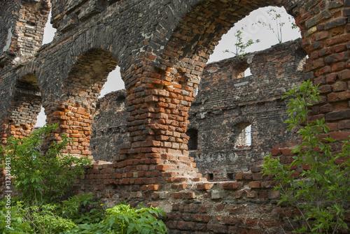 Foto op Aluminium Rudnes Ruiny na Wyspie Spichrzów w Gdańsku