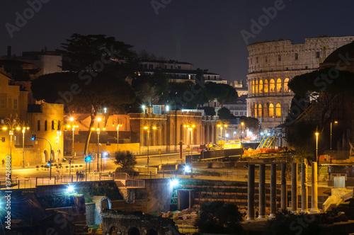 forum-romanum-nocny-widok