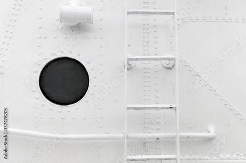 Türaufkleber Schiff Hull fragment with ladder and porthole