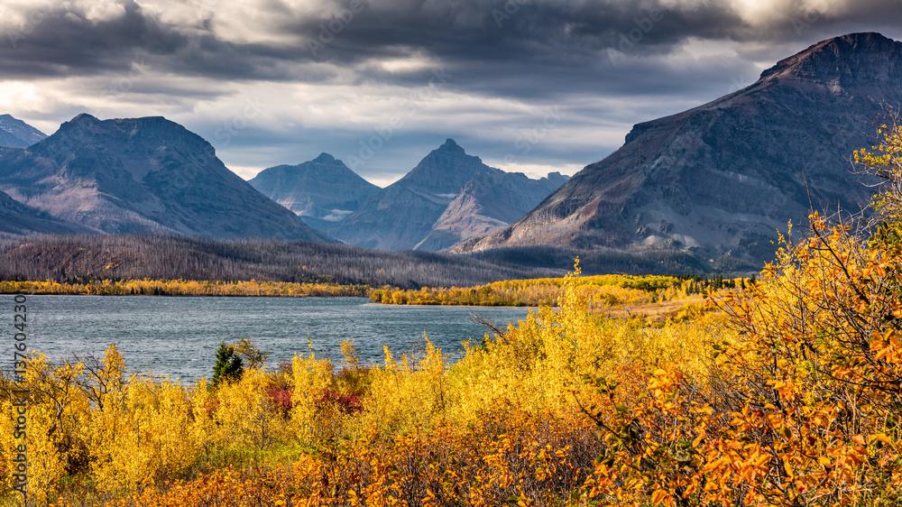 Fototapety, obrazy: Fall colors in Glacier National Park, Montana, USA